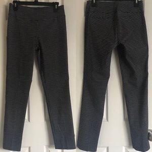 7th Avenue New York and Company Pants